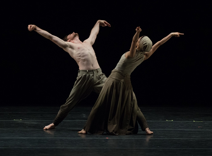 Dust - Choreography by Akram Khan Erina Takahashi and James Streeter - Photo: Casey Herd
