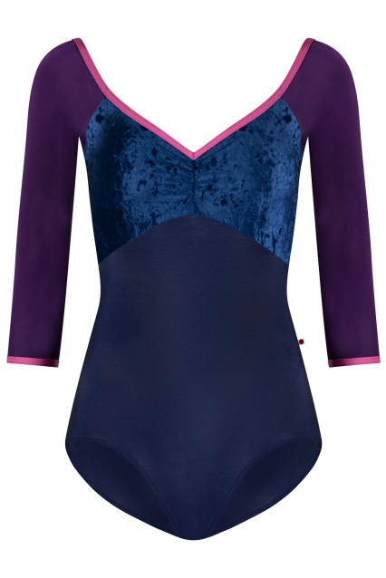 Elli N-Dark Blue, V-Dark blue with N-Retro trim and N-Plum sleeves