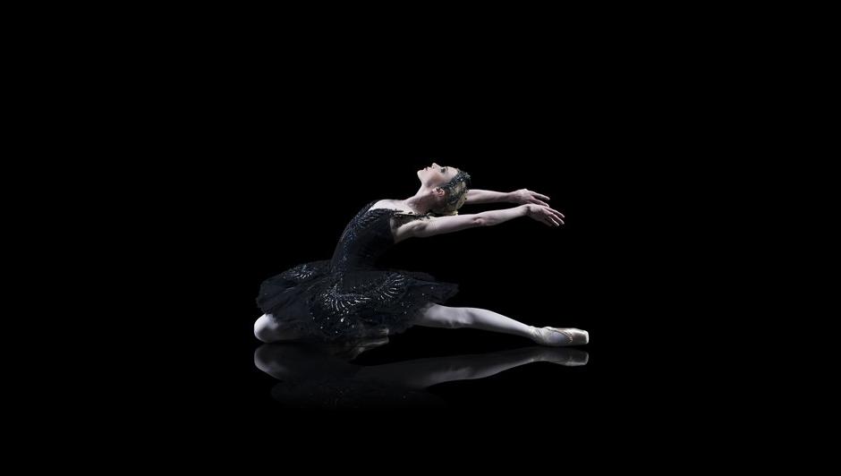 Sarah Lamb as Odette in Swan Lake