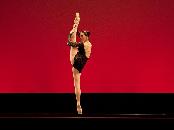 Carmen - Choreography by Alberto Alonso Tamara Rojo and Isaac Hernández - Photo: Alejandro Lopez