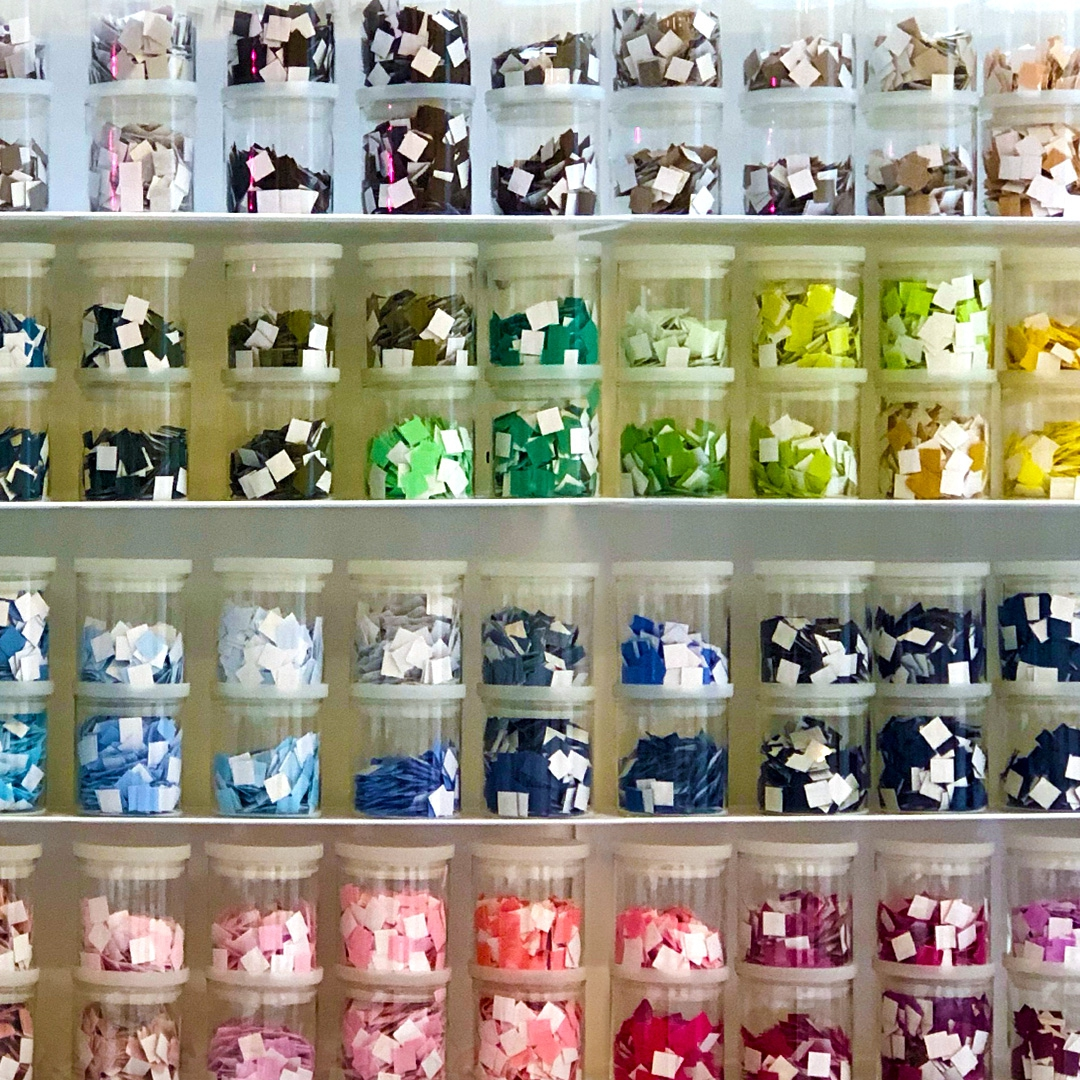 Yumiko Color Bar